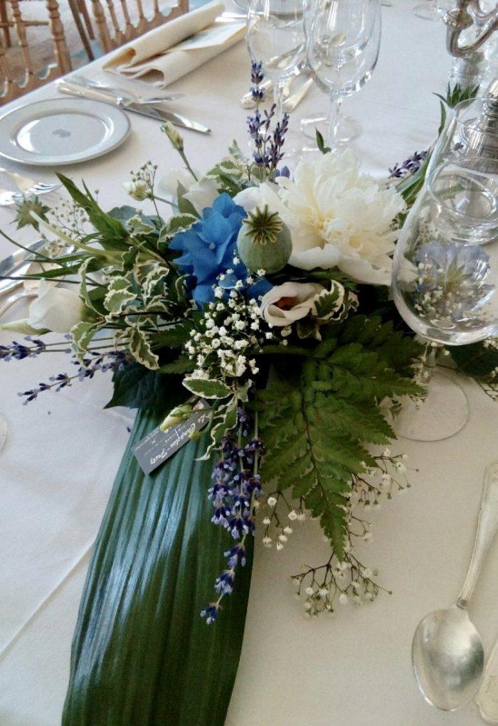 centre de table bleu fleurs mariage fleuriste Saint Cloud le Chapelin Fretz