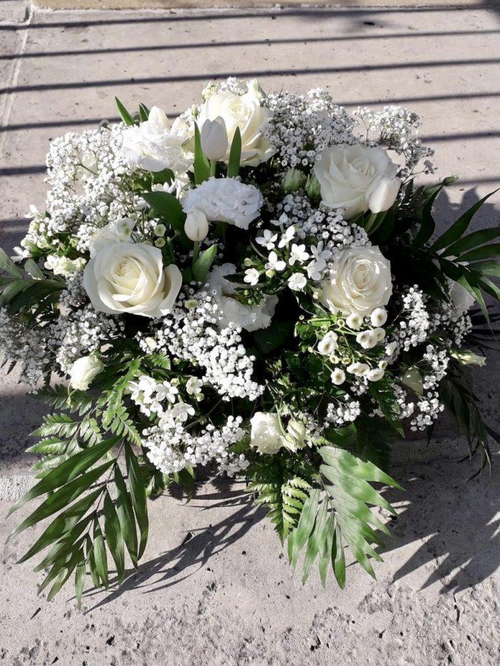 couronne fleurs blanches fleuriste Saint Cloud le Chapelin Fretz