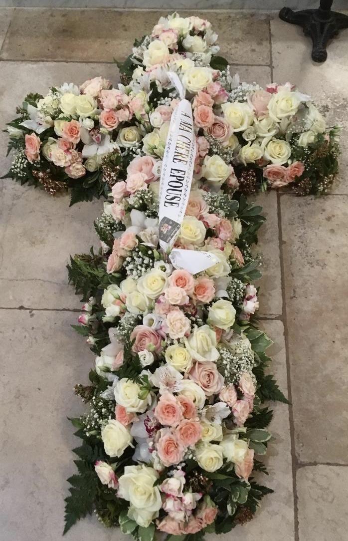 croix en fleurs fleuriste Saint Cloud le Chapelin Fretz